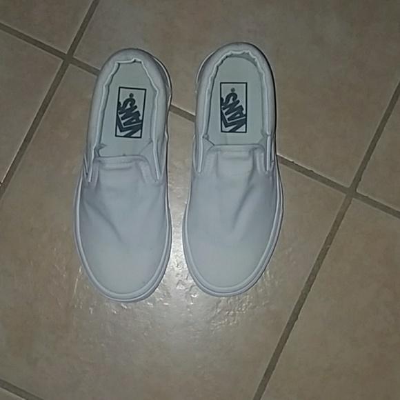 730b6e5dd88245 Pure white slip on vans. M 5ac2cb1384b5ceaba8a2f7df
